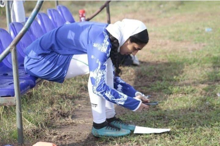 (عکس) امتحان فیزیک وسط تمرین تیم زنان ملوان!