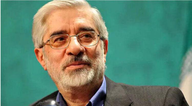 میرحسین موسوی عزادار شد