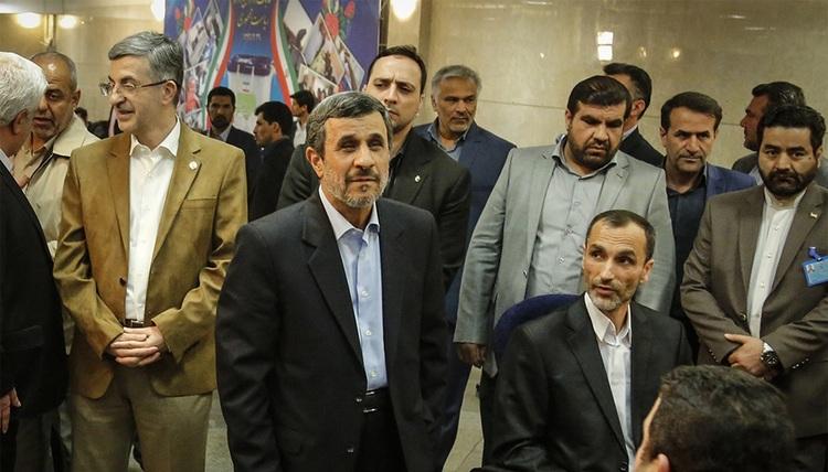 بگم بگم به درون خانواده احمدی نژادیها رسید