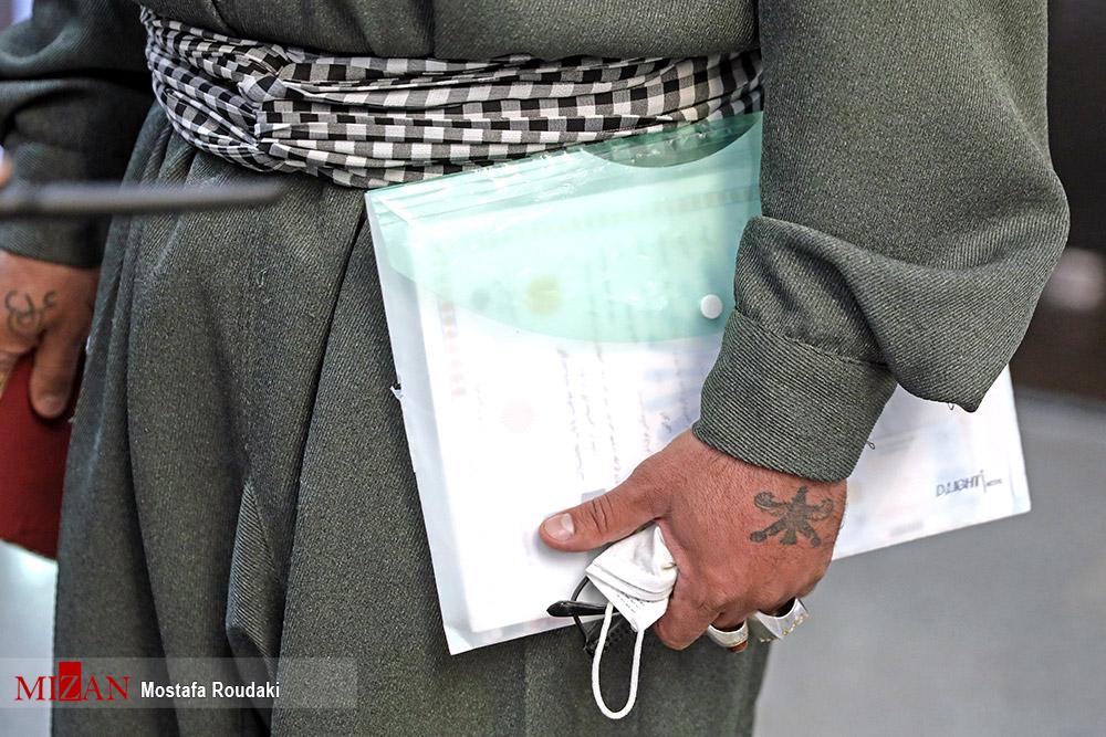 (تصاویر) خالکوبیِ دست یک نامزد انتخابات!