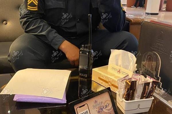 (عکس) فرهاد مجیدی جلوی بازداشت بازیکن استقلال را گرفت