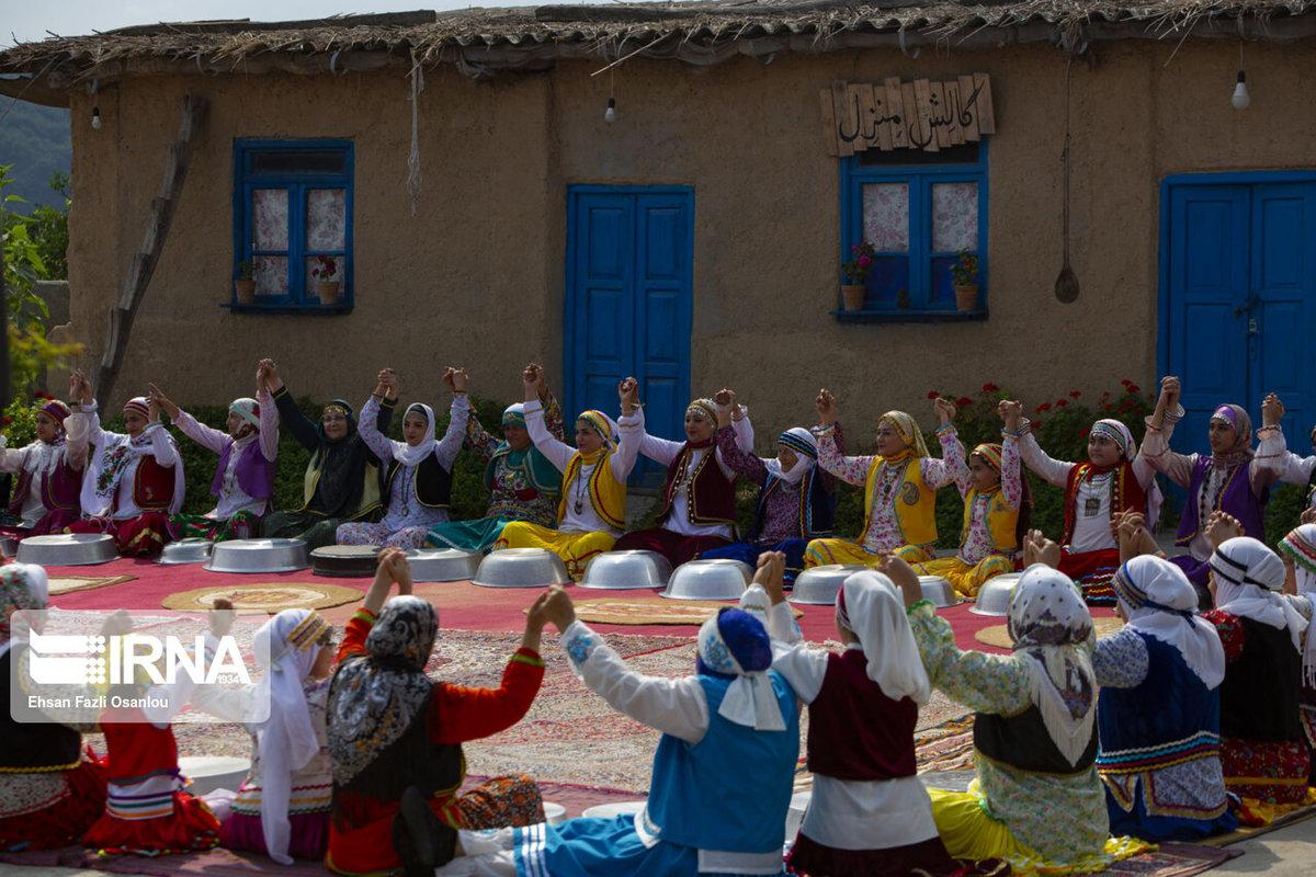 (تصاویر) لگن نوازی زنان در مازندران