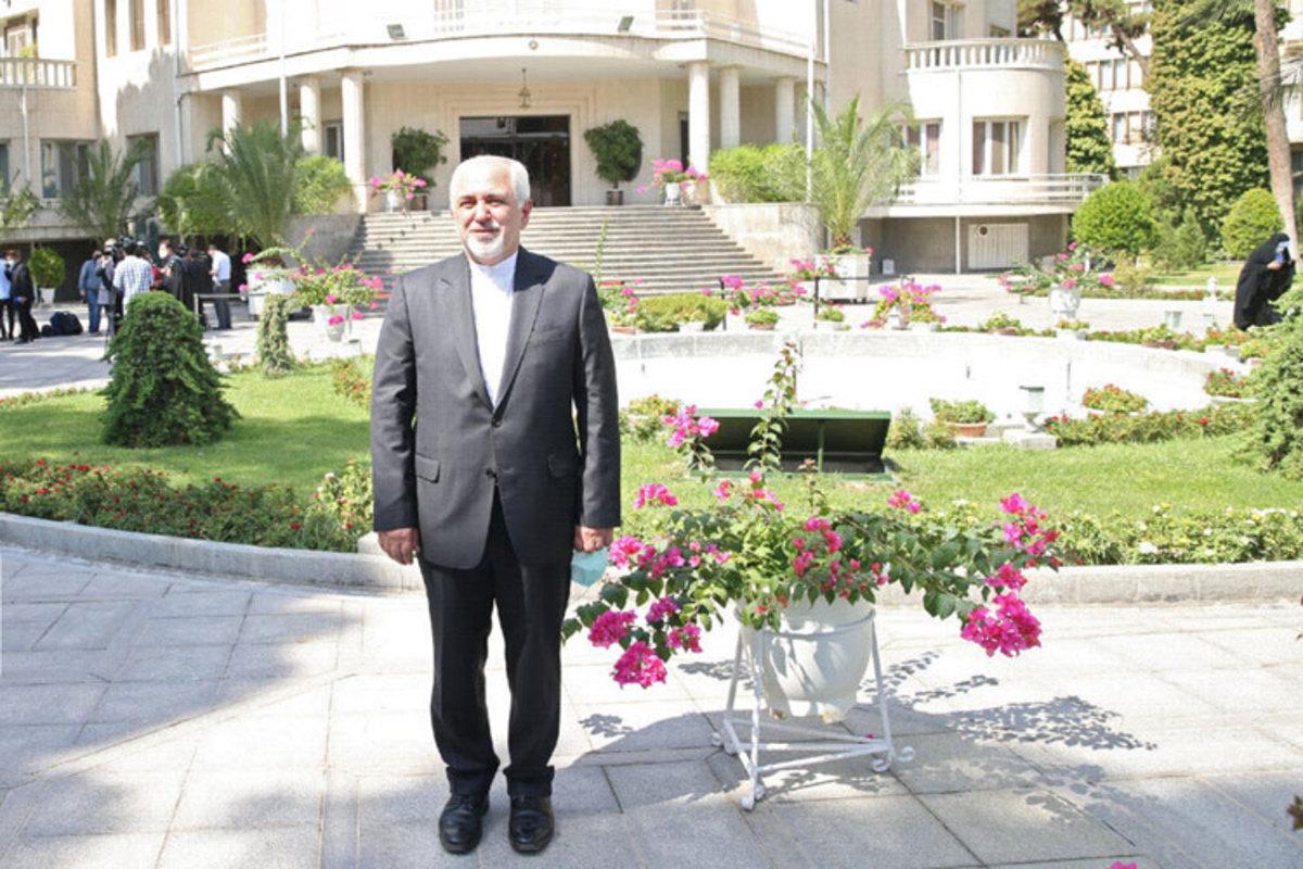 ظریف: برجام را به راحتی از دست ندهید