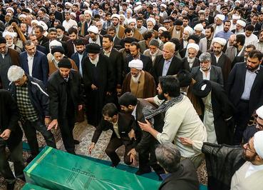تشییع پیکر چهار شهید مدافع حرم - قم. (ایسنا/ احمد ظهرابی)