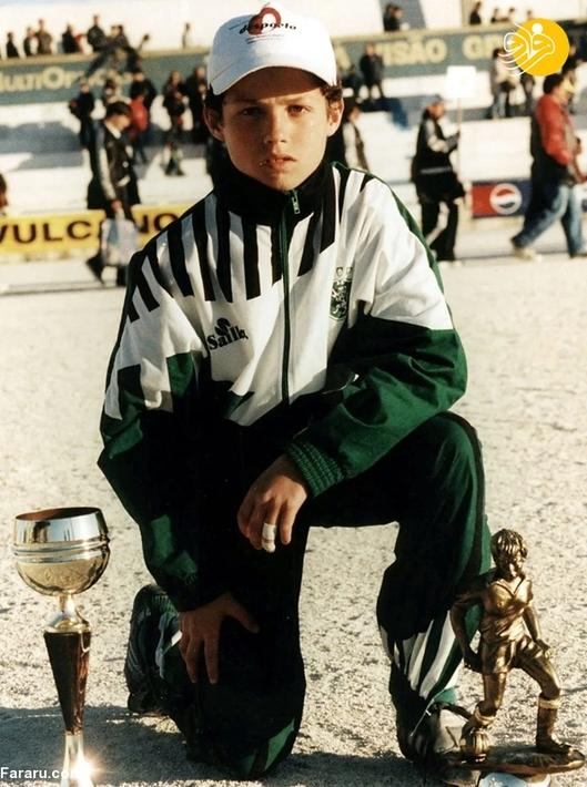 رونالدو بعد از گذراندن تست 3 روزه در سن 12 سالگی وارد باشگاه اسپورتینگ لیسبون شد.