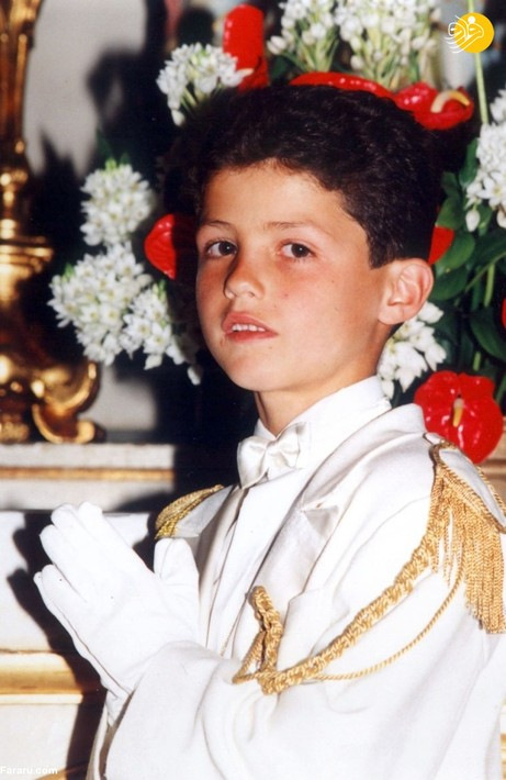 تصویری متفاوت از کودکی کریس رونالدو که بر خلاف انتظار، لباسی غیر از لباس فوتبال به تن دارد!