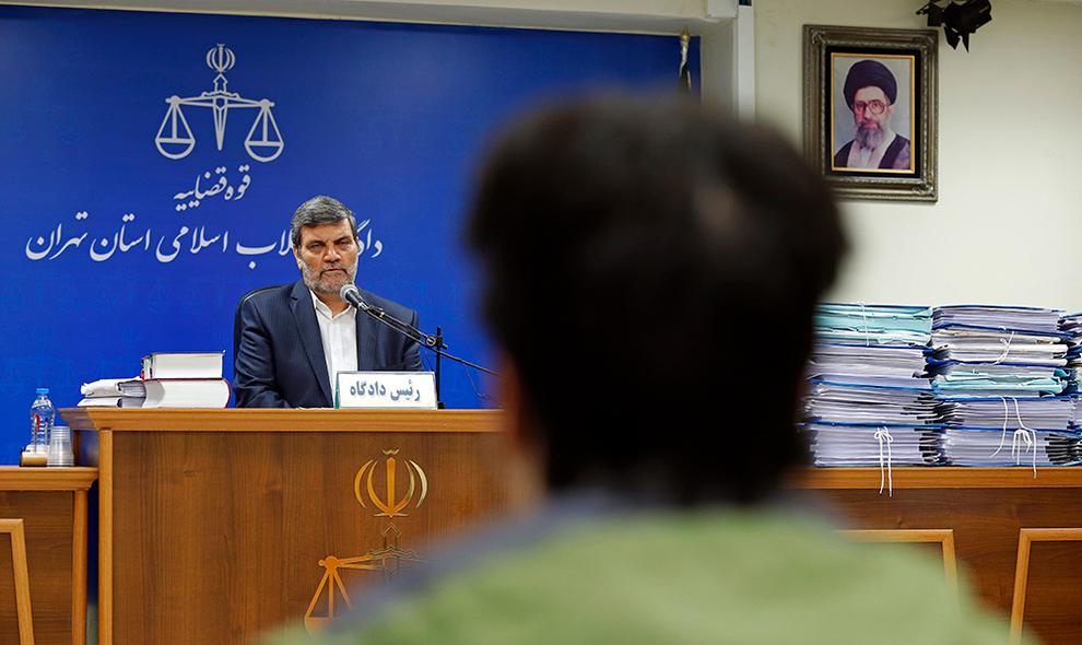 تصاویر : اولین جلسه دادگاه روح الله زم