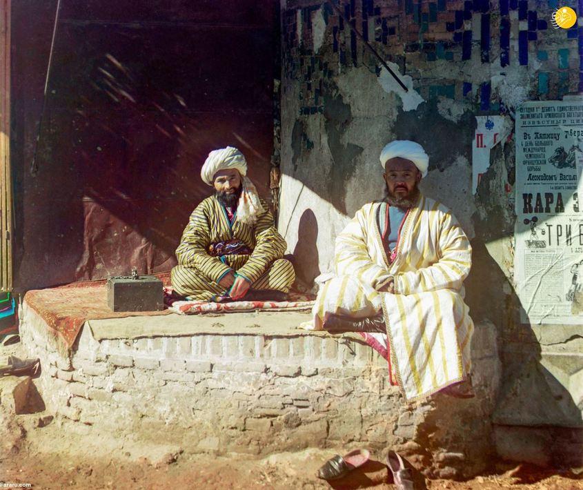 بازرگانان در میدان ریگستان. سمرقند