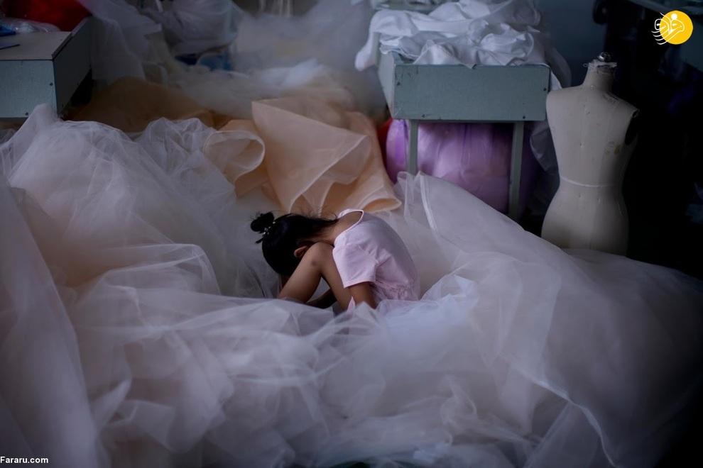 resized 741218 554 - شهری که بزرگترین تولیدکننده لباس عروس در جهان است +عکس