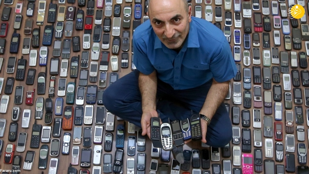 resized 792576 215 - مردی که ۱۰۰۰ موبایل در خانه دارد!/ عکسها