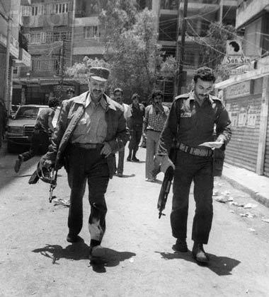 همراه با مبارزان در  کوچه های فلسطین