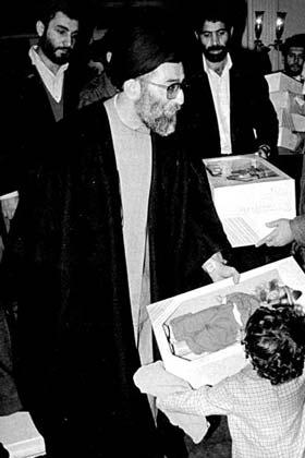 عکسهای منتشر نشده از رهبر انقلاب | www.PEN.mihanblog.com