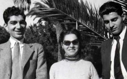 فاطمه پهلوی (همدمالسلطنه) فرزند اولین همسر رضاشاه و دو تن از فرزندان همسران بعدی وی. از چپ: غلامرضا پهلوی (تنها فرزند توران امیرسلیمانی)، همدمالسلطنه (تنها فرزند صفیه) و محمودرضا پهلوی (فرزند عصمتالملوك دولتشاهی)