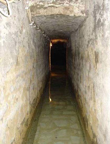 عکس   تصاویر چشمه گرداگرد قبر حضرت ابوالفظل عباس(علیه السلام)