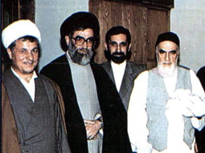 با رئیس مجلس، و رئیس جمهور وقت در محضر امام خمینی