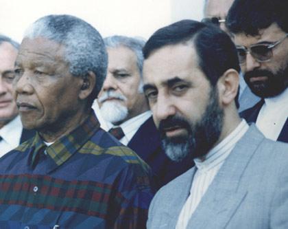 در کنار نلسون ماندلا