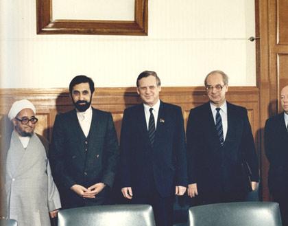 دیدار با وزیر خارجه شوروی در کنار صادق خلخالی