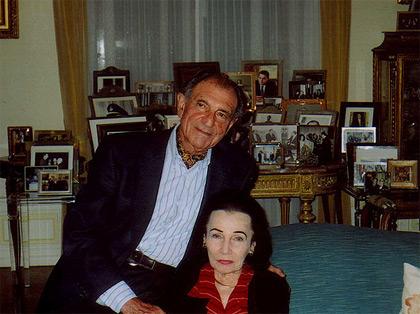 در کنار اردشیر زاهدی در سال 2004